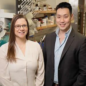 Illinois graduate student Hailey Knox and chemistry professor Jefferson Chan