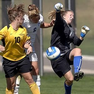 Women more likely than men to suffer brain trauma from soccer heading