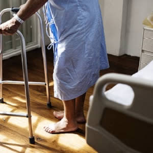 Corticosteroid use associated with ICU-acquired weakness