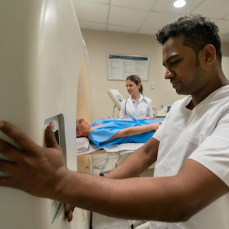 CT radiation doses vary more than 50% due to scanner settings