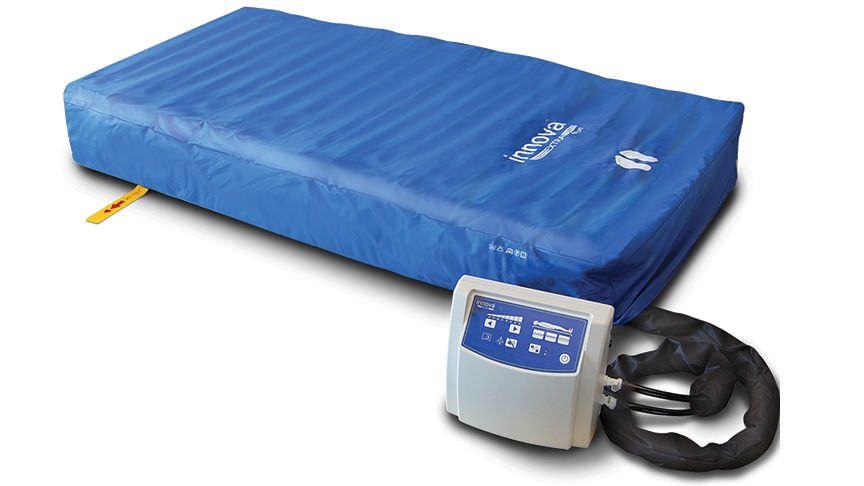 Hospital bed overlay mattress / anti-decubitus / dynamic air / tube Innova™ Extra ArjoHuntleigh