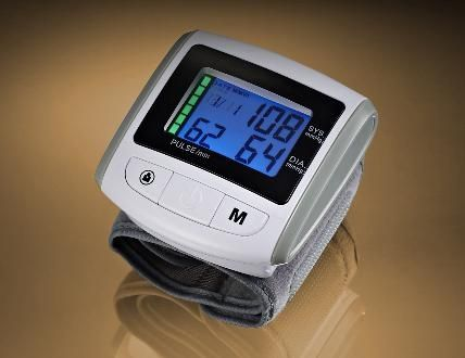 Automatic blood pressure monitor / electronic / wrist IN4 KP-7160 IN4 Technology Corp.