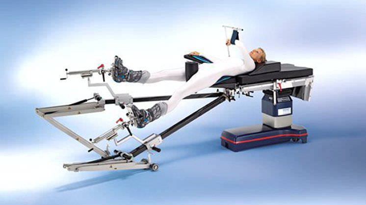 Operating table hip positioning system MAQUET