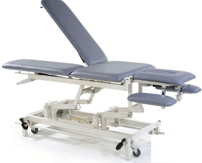 Electrical massage table / height-adjustable / on casters / 3 sections STREAMLINE™ Europa Continental Akron