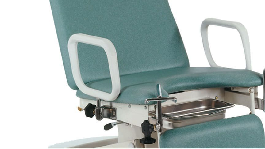 Gynecological examination table / electrical / height-adjustable / on casters STREAMLINE™ Gynae 3 Akron