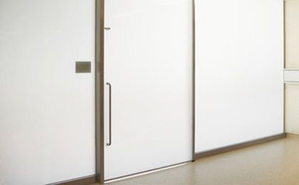 Hospital door / laboratory / sliding / with glass panel HT Labor + Hospitaltechnik