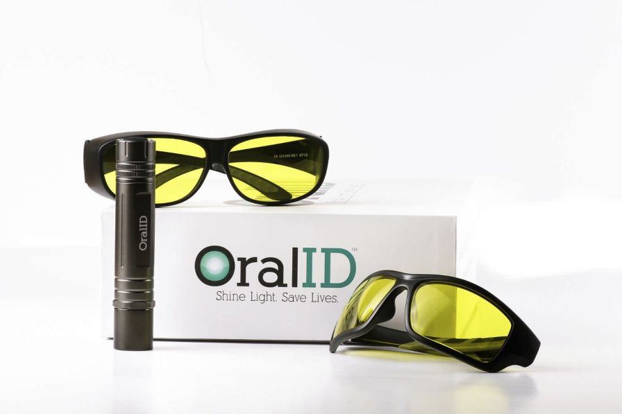 Oral cancer screening device OralID Forward Science Technologies