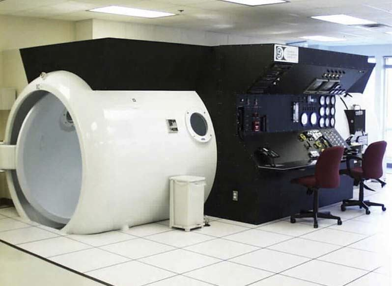 Multiplace hyperbaric chamber OxyHeal® 4000 OxyHeal