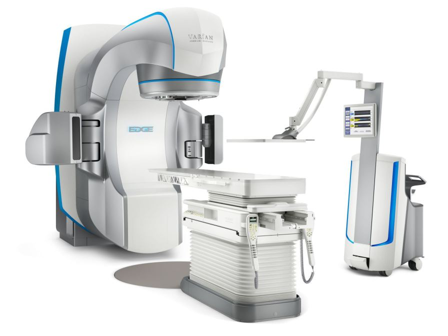 Stereotactic radiosurgery linear particle accelerator / robotized positioning tables Edge™ Varian Medical Systems