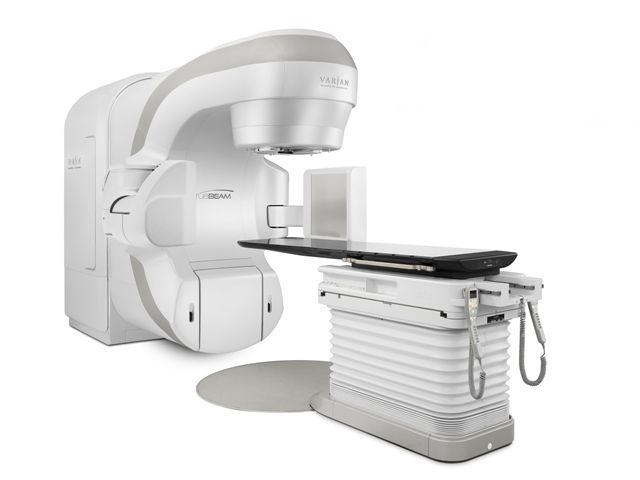 Radiation therapy linear particle accelerator / robotized positioning tables TrueBeam™ Varian Medical Systems