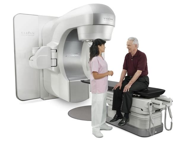 Stereotactic radiosurgery linear particle accelerator / robotized positioning tables TrueBeam™ STx Varian Medical Systems