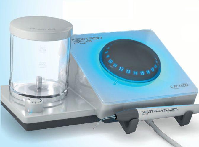 Ultrasonic dental scaler / complete set / with LED light Newtron® P5XS Satelec