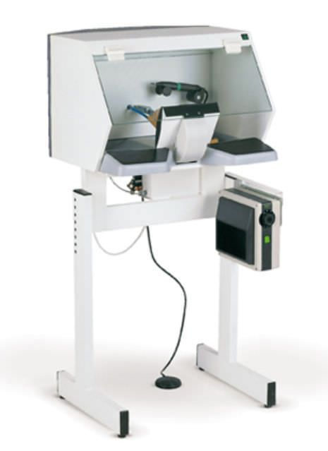 Dental laboratory workstation / with hood / 1-station AV1000 ZUBLER