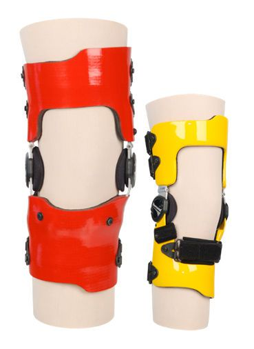 Knee orthosis (orthopedic immobilization) / knee distraction (osteoarthritis) / articulated FULL SHELL Townsend