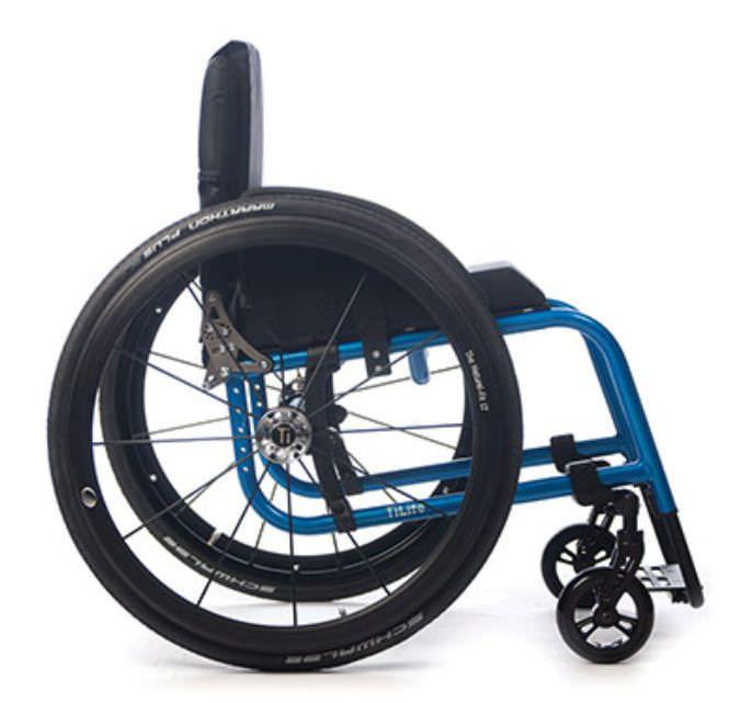 Active wheelchair / height-adjustable / with legrest AERO R TiLite