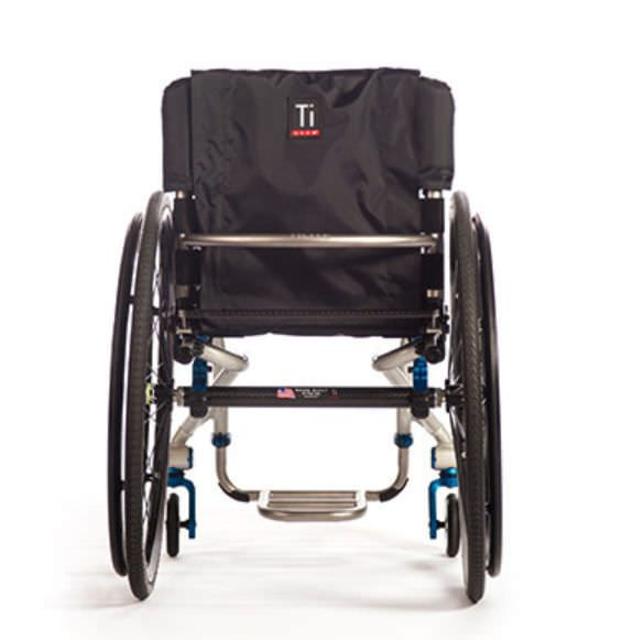 Active wheelchair / height-adjustable / with legrest AERO T TiLite
