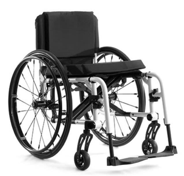 Active wheelchair / folding / height-adjustable / with legrest AERO X TiLite