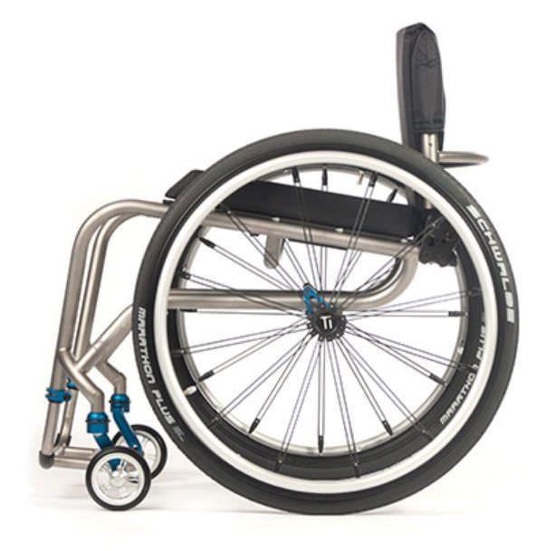 Active wheelchair / with legrest TR TiLite