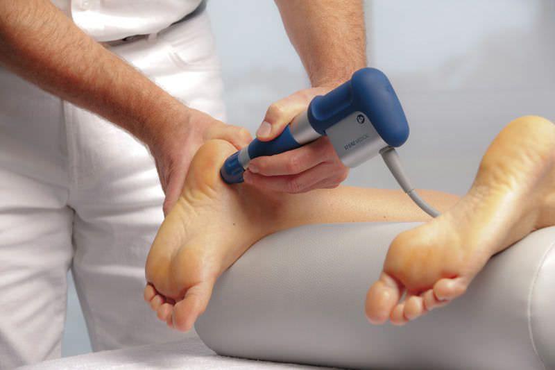 Orthopedic treatment extra-corporeal shock wave generator / human / on trolley MASTERPULS® MP200 Storz Medical