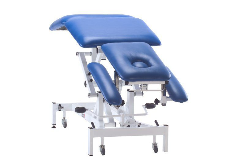 Electrical massage table / height-adjustable / on casters / 3 sections Medi-Plinth