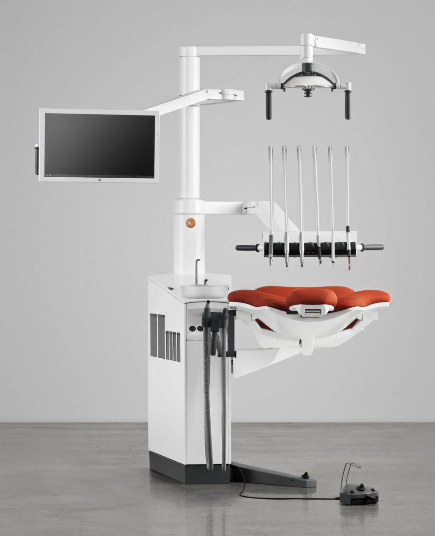 Dental treatment unit with lamp / with delivery system / with monitor / compact XO 4-2 XO CARE