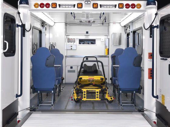 Emergency ambulance / intensive care / for infectious risks / bariatric 10 T Wietmarscher Ambulanz- und Sonderfahrzeug GmbH