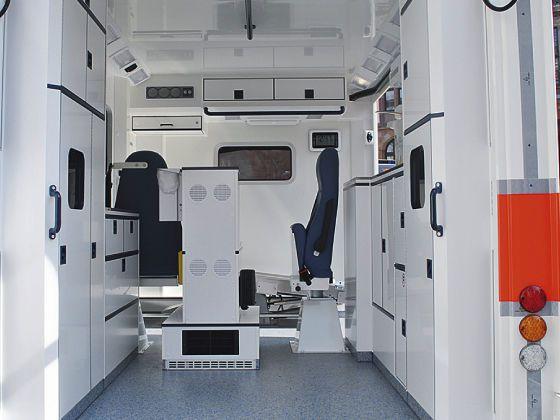 Cribs ambulance / type C / box body 4,2 T   B-MICU Wietmarscher Ambulanz- und Sonderfahrzeug GmbH