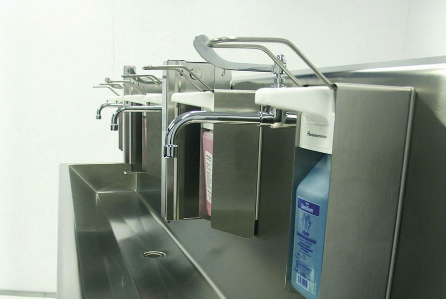 Stainless steel surgical sink / 3 stations Vitec Cleanroom Technologies