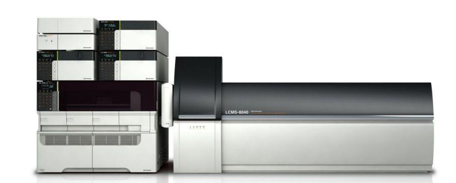 Fluid chromatography system / LC/MS/MS / coupled to a mass spectrometer / quadrupole LCMS-8040 Shimadzu