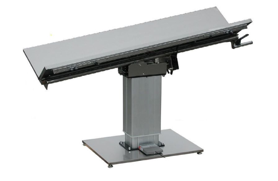 Veterinary operating table / electrical V -Top Technidyne