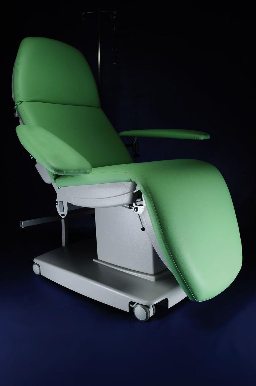 Height-adjustable hemodialysis armchair / electrical GOLEM DIA RQL - GOLEM tables