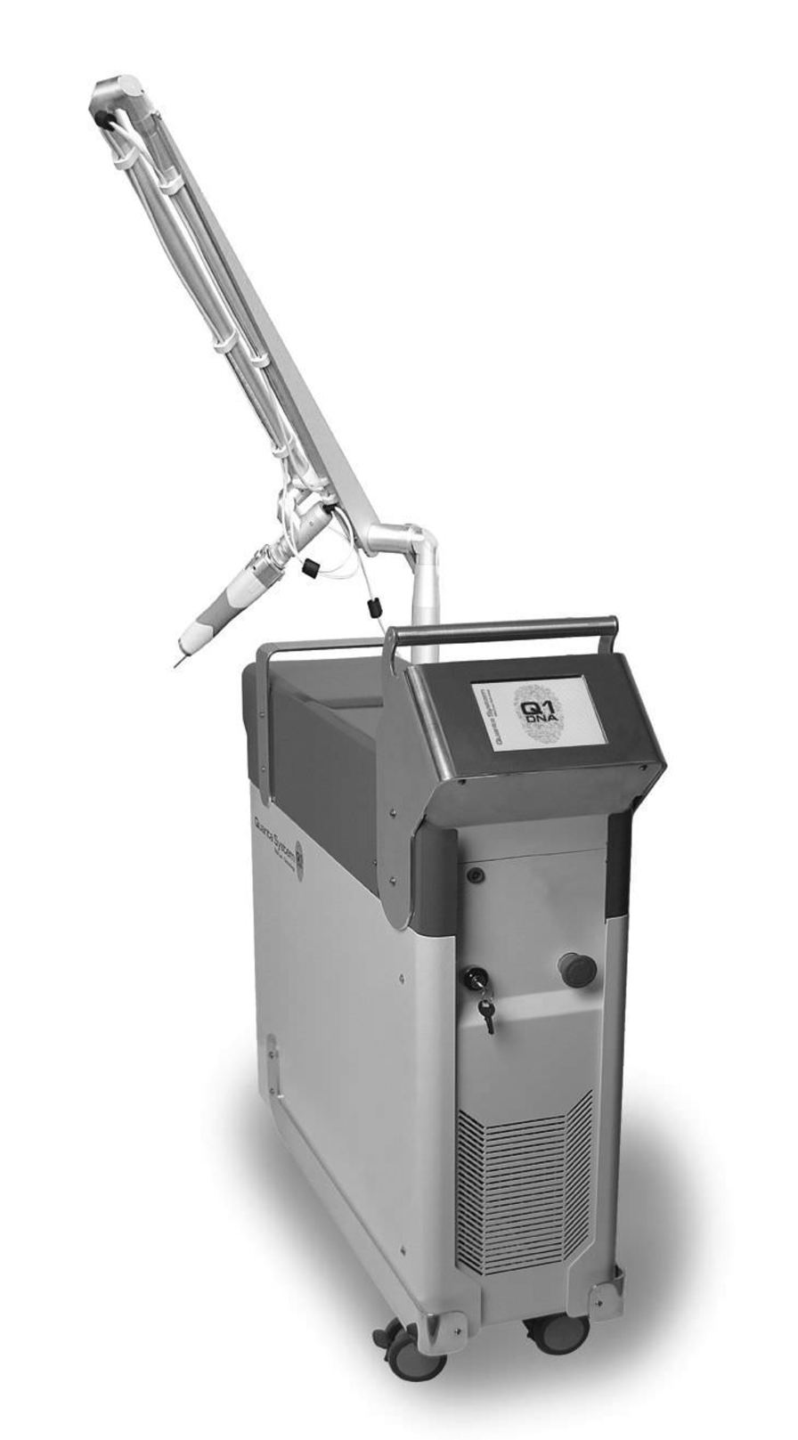 Dermatological laser / Nd:YAG / on trolley 1064/532 nm | ASSET Quanta System S.p.A.