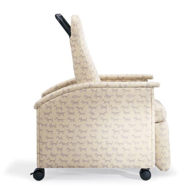 Reclining medical sleeper chair / on casters / manual / bariatric Junior Nemschoff