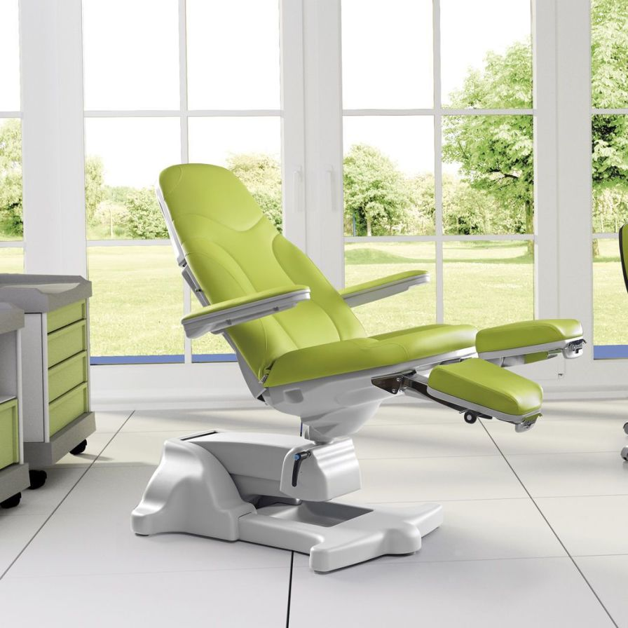 Podiatry examination chair / electrical / height-adjustable / 3-section Podo Bruso LEMI