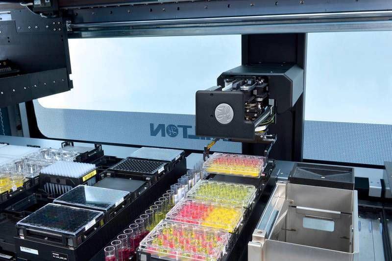 Laboratory liquid handling robotic workstation VANTAGE Hamilton Company