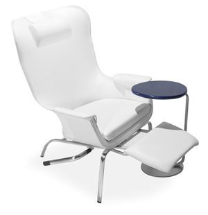 Medical sleeper chair with legrest Breeze IoA Healthcare
