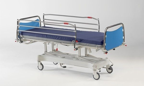 Hydraulic bed / on casters / height-adjustable / 3 sections Hydraulic Matrix 2 IMO