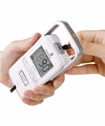 Blood glucose monitor with lancing device 20 - 600 mg/dL | LGM LASER DOC ISOTECH Co., Ltd.