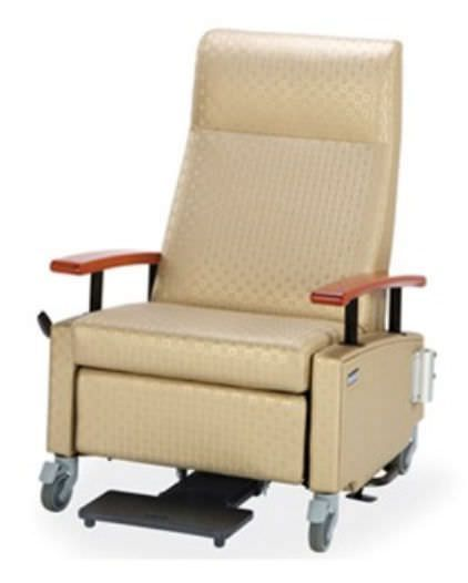 Medical sleeper chair / on casters / reclining / manual Art of Care® Treatment Hill-Rom