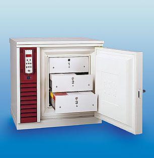 Laboratory freezer / built-in / upright / ultralow-temperature -85 °C ... -50 °C, 96 L | 6481 GFL Gesellschaft für Labortechnik