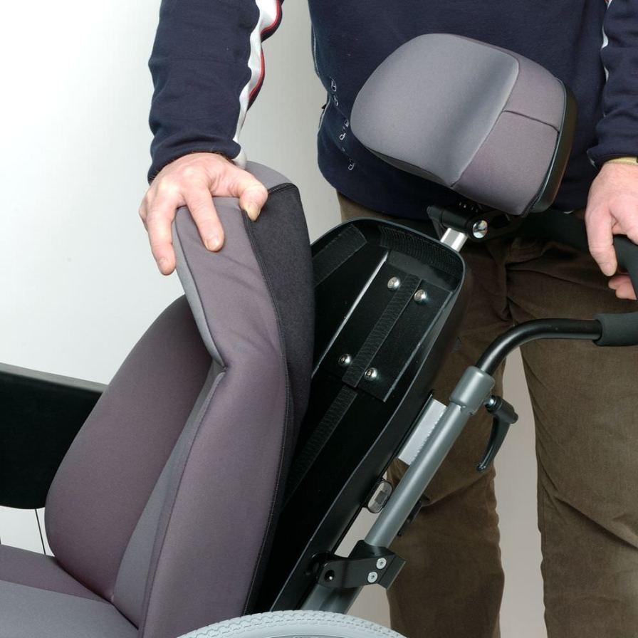 Passive wheelchair / reclining / bariatric Cirrus 4 Handicare