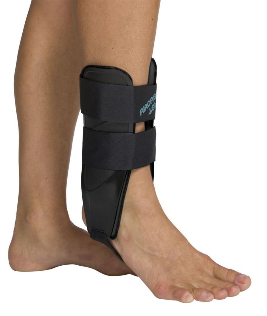 Ankle splint (orthopedic immobilization) Air-Stirrup® Light™ Aircast