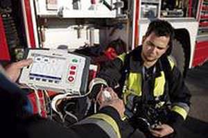 Semi-automatic external defibrillator / compact multi-parameter monitor corpuls¹ Corpuls