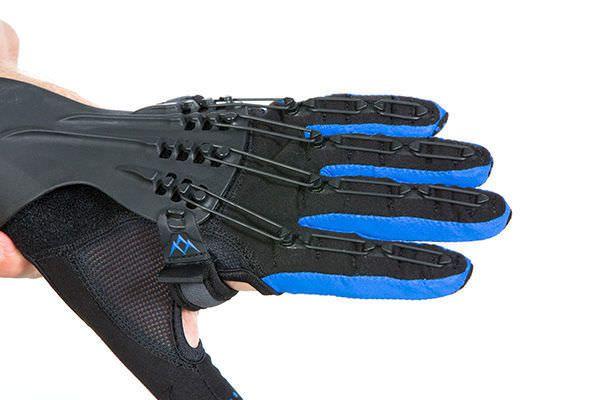 Metacarpal orthosis (orthopedic immobilization) / finger orthosis / finger flexion / finger extension SaeboGlove Saebo