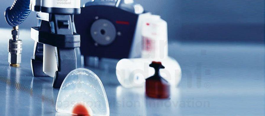 Dental laboratory polymerizer SR Ivocap Ivoclar Vivadent