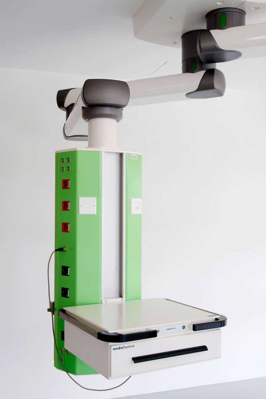 Ceiling-mounted medical pendant moduversa Modul technik