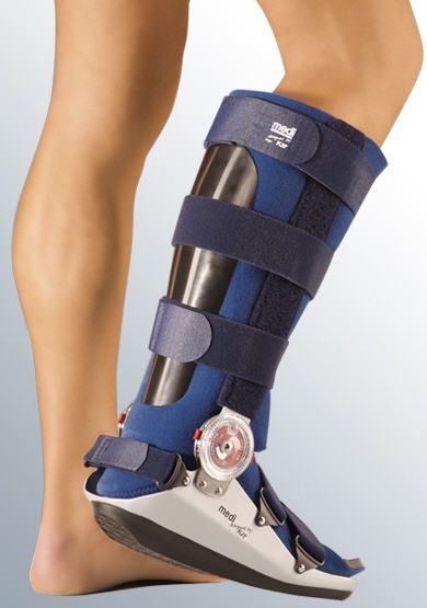 Long walker boot / articulated medi