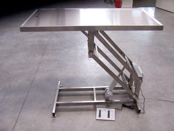 Veterinary operating table / electrical / lifting McDonald Veterinary Equipment