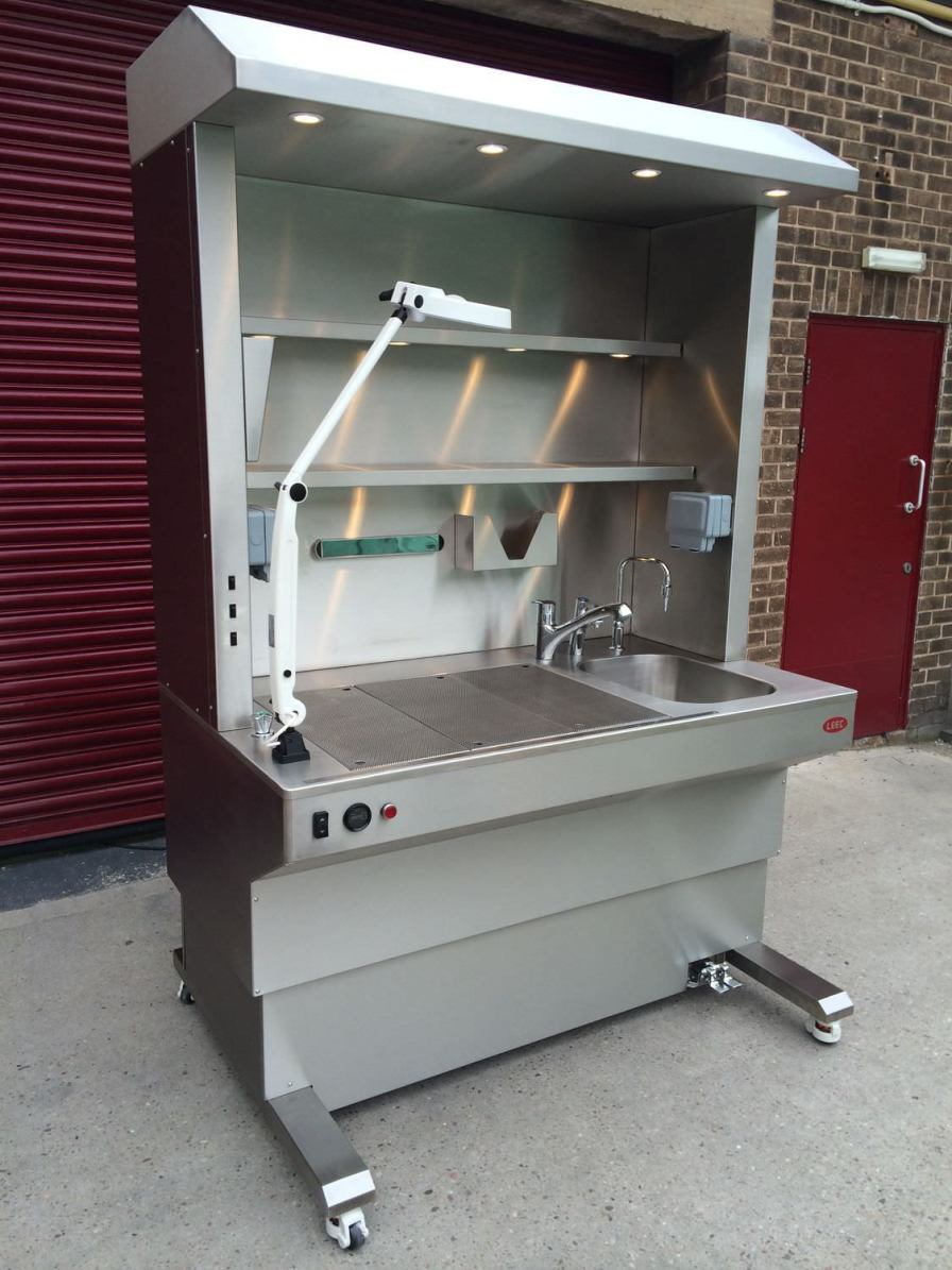 Autopsy table / with downdraft ventilation / with sink LEEC