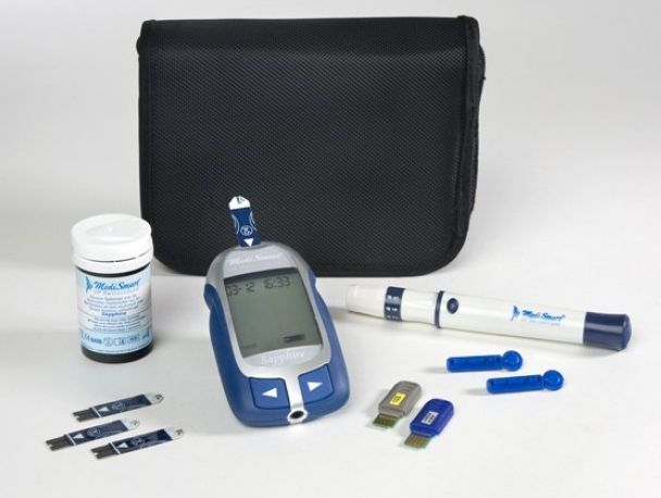 Blood glucose meter with USB port Sapphire Lobeck Medical AG